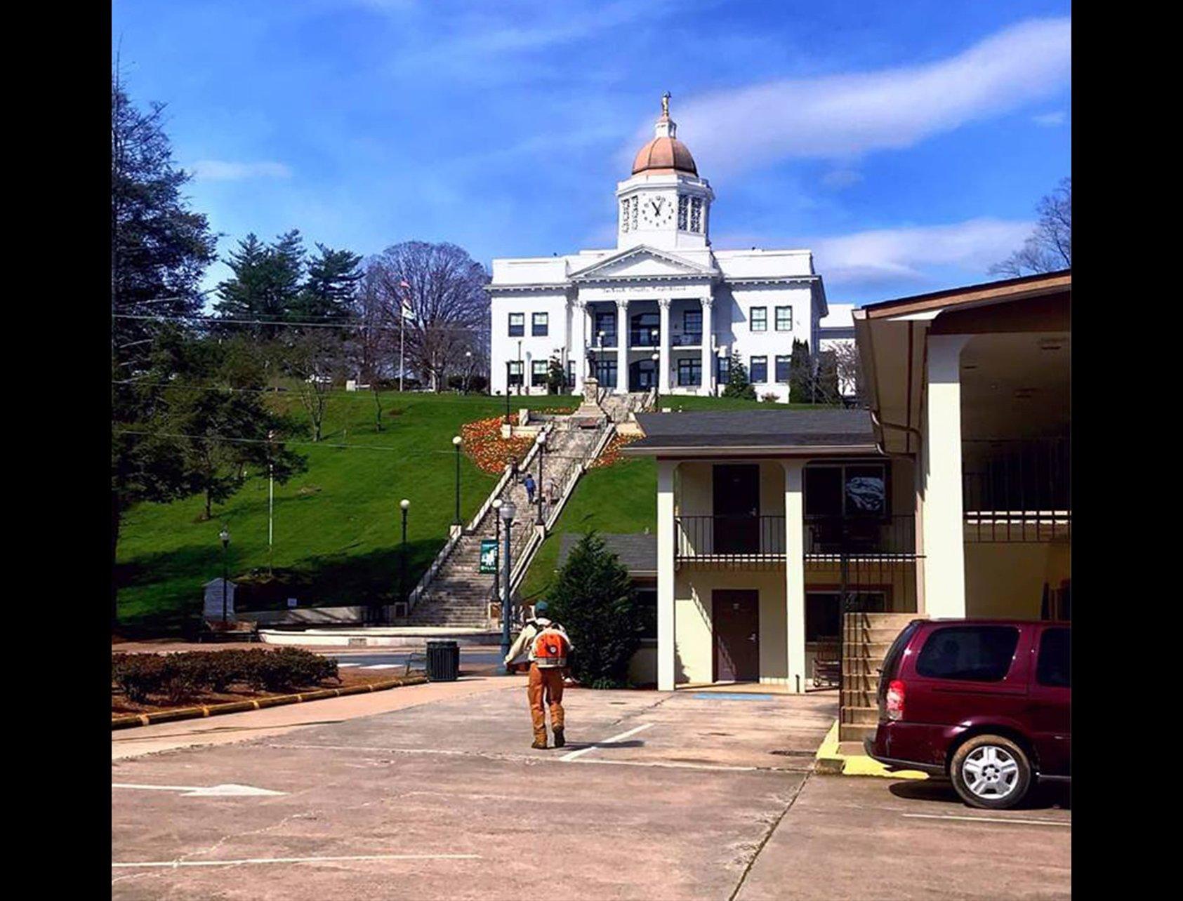 commercial landscape maintenance Joackson County